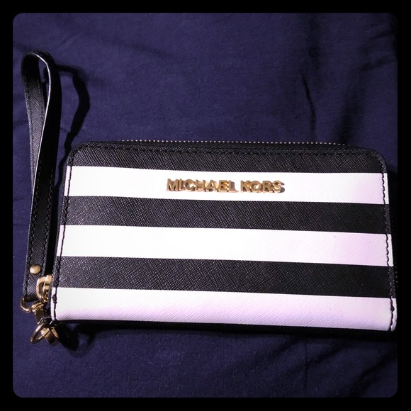 8c090b3d7b2f Black and White Striped Wristlet   Phone Case. M 5ad406ea46aa7c5551766b45